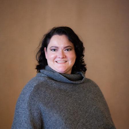 professional photo of Erin Nettles